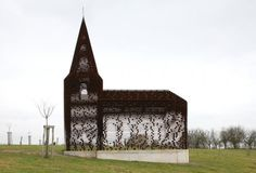 'Reading between the lines' is a project by the duo Gijs Van Vaerenbergh, a chapel that disappears in the landscape
