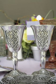 I just might have Irish wedding goblets like this for my wedding. Scottish Wedding Dresses, Viking Wedding Dress, Scottish Weddings, Celtic Wedding Dresses, Wedding Events, Wedding Ceremony, Themed Weddings, Irish Wedding Traditions, Wiccan Wedding