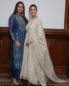 Alia Bhatt rocks in Sabyasachi , Sonakshi Sinha shines in Anita Dongre during Kalank promotions in delhi - HungryBoo Kurti Designs Party Wear, Salwar Designs, Blouse Designs, Dress Indian Style, Indian Dresses, Indian Outfits, Indian Clothes, Indian Attire, Indian Wear