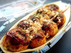 """Takoyaki"" たこ焼 All Japanese, Takoyaki, Asian Recipes, Ethnic Recipes, Art Music, Junk Food, I Foods, Sushi, Foodies"