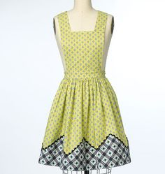New retro apron pattern from Butterick. Sew B6189. Four different versions!