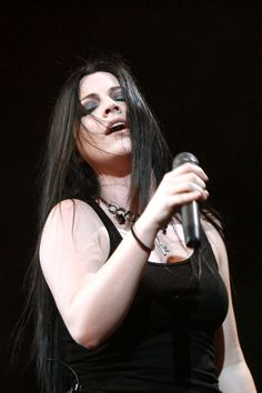 Amy Lee, Evanescence...she feels the music and lyrics that's one thing that makes her such a great vocalist and musician.