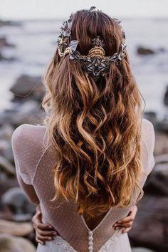 wedding hairstyles down beachy waves with halo martina dorta