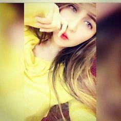 píntєrєѕt•Sαчrα😇 Cute Little Girl Dresses, Cute Girl Pic, Cute Little Girls, Girls Dp Stylish, Stylish Girl Images, Beautiful Girl Photo, Beautiful Girl Image, Girl Photo Poses, Girl Poses