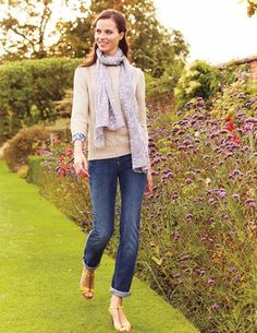 Straightleg Jeans - A great alternative to skinnies – in two classic denim washes and a new wave of versatile neutrals. Boden Clothing, Sweaters And Jeans, Pants For Women, Clothes For Women, Best Jeans, Weekend Wear, Madame, Fashion Lookbook, What To Wear