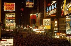 Times Square, New Years Eve, 1964 New York City Photos, New York Pictures, Old Pictures, Continents And Countries, A New York Minute, Times Square New York, Rare Historical Photos, 42nd Street, Vintage New York