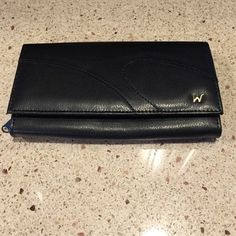 "Women's wallet Women's wallet brand new with the initial ""w"" on the lower right corner Accessories"