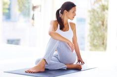 Yoga poses offer numerous benefits to anyone who performs them. There are basic yoga poses and more advanced yoga poses. Here are four advanced yoga poses to get you moving. Bikram Yoga, Yin Yoga, Vinyasa Yoga, Yoga Flow, Tappetino Yoga, Fitness Workouts, Fitness Diet, Yoga Fitness, At Home Workouts