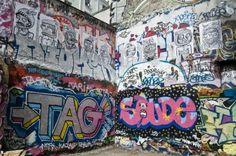 Paris street art in Belleville by Randy Harris