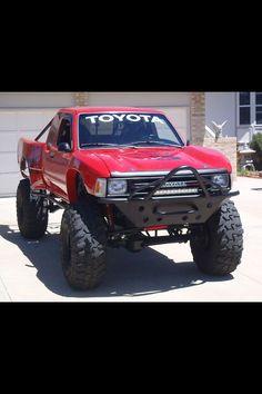 Custom Toyota Truck - https://www.pinterest.com/dapoirier/4x4-and-trucks/