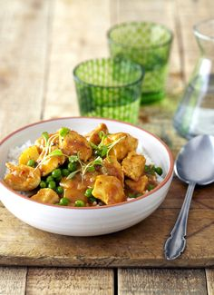 Wonderful Durban Chicken Curry with Potatoes and Peas! #Knorr #SouthAfrican #SouthAfricanRecipes #Durban
