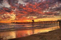 Sunset at the pier in San Clemente, CA. www.jeffreymarkell.com #orangecountyrealtor #jeffforhomes #beautifulsunsets