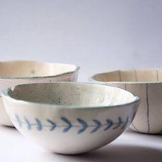 Bol aptos a contener alimentos • #ceramic #ceramics #handmade #handmadeceramics #decoracion #clay #homedecor #kitchendesign#theoldkitchen #barcelona