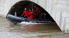 Seine River peaks in Paris, museums to be shut for days