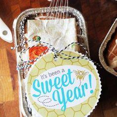 Honey Bun Mini Quick Bread Loaf Recipe Teacher Treats, Teacher Gifts, Student Teacher, School Teacher, Elementary Teacher, School Fun, Middle School, Homemade Gifts, Diy Gifts