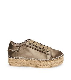 Fashion sneakers by Steve Madden are bold and stylish, combining comfort with great design. Shop our slip-on, lace up and more styles of women's sneakers. Fashion Jobs, Fashion Group, Latest Fashion Trends, Fashion Brands, Fashion Accessories, Summer Shoes, Sneakers Fashion, Steve Madden, Espadrilles