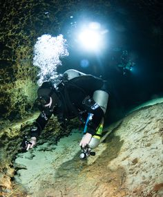 Cave diving is one of the most challenging and dangerous kinds of diving. Here are the 6 Best Places To Go Cave Diving Around the World with Pictures. Diving Thailand, Scuba Diving Quotes, Underwater Caves, Cave Diving, Bing Images, Beautiful Places, Places To Visit, Around The Worlds, Ocean