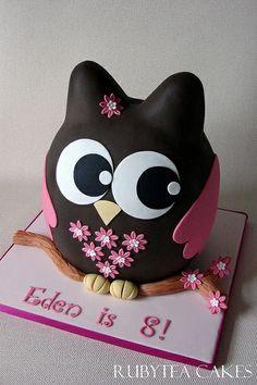 Edens Owl Cake