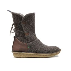 Po-Zu Piper V Dark Brown boots (as worn by Rey in The Force Awakens) ⭐️ Star Wars fashion ⭐️ Geek Fashion ⭐️ Star Wars Style ⭐️ Geek Chic ⭐️ Rey Cosplay, Cosplay Boots, Star Wars Collection, Shoe Collection, Star Wars Shoes, Rey Star Wars, Boots For Sale, Mid Calf Boots, Womens High Heels