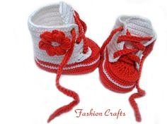 Crochet baby bootiesunisex baby shoesBooties red and