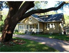 Gorgeous Windermere Cottage Home - Historical Lakefront Home. www.realtyinorlando.com