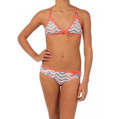 De Fatima is een mooie #bikini met een leuk en opvallend patroon. De zomerse #bikini van @Protest Boardwear heeft decoratieve strikjes op het topje en het broekje. #dws
