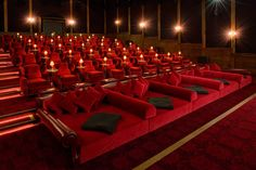 Now here's a private theater! soho_farm_house_electric_barn_cinema_03