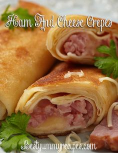Ham And Cheese Crepes: Wow. These crepes make a great meal, whether you make them for breakfast/brunch, lunch or dinner. Just the word crepes sounds complicated Ham And Cheese Crepes, Savory Crepes, Apple Crepes, Crêpe Recipe, Brunch Recipes, Dinner Recipes, Pancake Recipes, Waffle Recipes, Crepe Ingredients