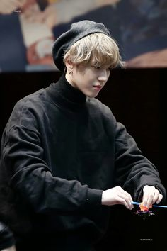 171219 Yugyeom at Dongdaemun fansign cr: Youngjae, Yugeom Got7, Kim Yugyeom, Jaebum, Girls Girls Girls, Mark Tuan, Jackson Wang, K Pop, Mark Bambam