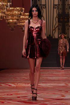 Couture Fashion, Runway Fashion, Fashion Models, Fashion Brands, High Fashion, Fashion Show, Fashion Outfits, Fashion Design, Gossip Girl