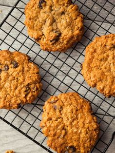 Oatmeal cookies are one of my favorite treats. When they're right out of the oven, warm and soft, they're divine. The Joy Of Baking, Baking With Honey, Fun Desserts, Delicious Desserts, Dessert Recipes, Lactation Cookies, Oatmeal Cookies, Gluten Free Baking Mix, Chewy Brownies