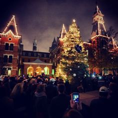 This ... is Christmas at #Baylor University. #SicEm