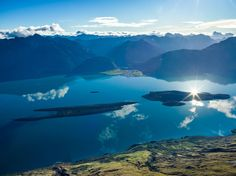 I was lucky enough to be in a helicopter yesterday over Queenstown in New Zealand when there was no wind at all. [OC] [80686047] #reddit