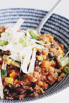 Healthy 100% Vegan One-Pan Mexican Quinoa. #vegan #recipe #quinoa | MyWifeMakes.com