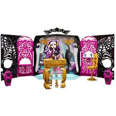 Monster High 13 Wishes Party Lounge and Spectra Vondergeist Play Set