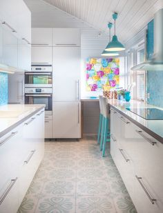 Tiled Kitchen with breakfast bar Kitchen Tiles, Kitchen Cabinets, Breakfast Bar Kitchen, Beautiful Kitchens, Modern, Table, Furniture, Home Decor, Kitchens