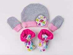 TupTupki to śliczne, unikatowe buciki niemowlęce. Firma oferuje także m.in. czapeczki i rękawiczki (fot. materiały firmy TupTupki)