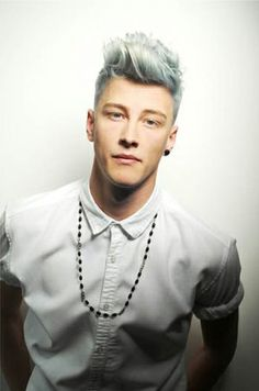 #silverhair #menshair Find a salon - www.hairscope.co.za