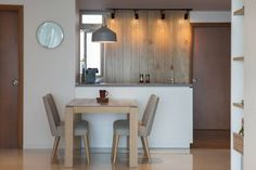Sala da pranzo in stile in stile Scandinavo di Eightytwo Pte Ltd