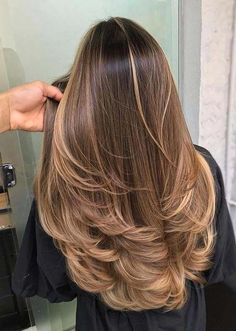 Perfect Chocolate Brown Hair Color Ideas for Women in 2020 Balayage Hair Blonde Brown brownhairbalayage chocolate Color Hair Ideas perfect Women Brown Hair Balayage, Brown Blonde Hair, Brunette Hair, Brunette Highlights, Blonde Balayage, Blonde Honey, Honey Hair, Blonde Ombre, Blonde Color