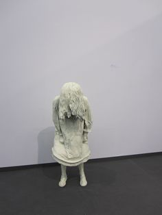 Art Cologne 2012 - Laura Ford: Weeping Girl
