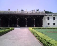 Tipu Sultan Palace - Bangalore  - Most of the time, we neglect the monuments which are in the city or place where we reside. Though I wished to visit Tipu Palace,  many times, I could not. My niece who came here during summer vacation , is also interested in visiting old monuments. So we visited, Tipu Palace.