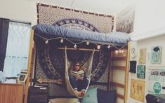 Decorating your room is an important aspect of dorm life. Here are some really cute Ole Miss dorm rooms to get some serious inspiration from! Boho Dorm Room, Ideas Dormitorios, Dorm Room Organization, Organization Ideas, Ole Miss, Room Goals, Dorm Life, College Life, College Hacks
