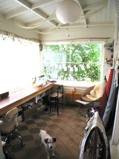 Workspace loveliness - unpretentious and inspiring