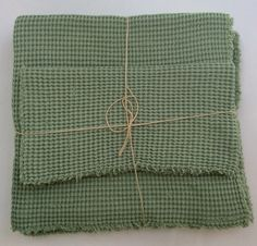 vohvelikankaiset pyyheliinat .  luomupuuvillaa . 40x70cm ja 90x140cm . vihreä . @kooPernu