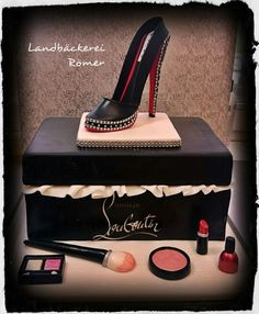 Torte Christian Louboutin Schuhkarton High Heel Christian Louboutin Shoe Box Cake High Heel Make up www. Mary Birthday, 30 Birthday Cake, Birthday Cakes For Women, Shoe Box Cake, Shoe Cakes, Fondant Shoe Tutorial, Fashionista Cake, Fantasy Cake, Hat Cake