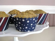 lillyella: Crafting: Patriotic Cupcake Toppers & Wrappers