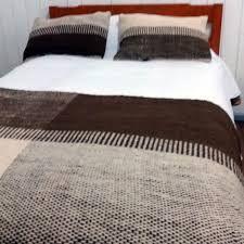 Resultado de imagen para pieceras a telar Textiles, Weaving, Contemporary, Rugs, Bed, Google, Furniture, Home Decor, Ikat Bedding