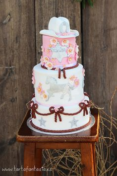 cowgirl cake for girl Cowgirl Birthday Cakes, Cowgirl Cakes, Rodeo Birthday, Cowgirl Party, 10th Birthday Parties, Birthday Cake Girls, Pretty Cakes, Beautiful Cakes, Chapeau Cowboy