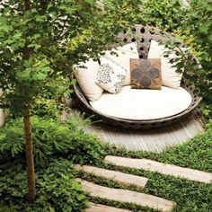 20 Cozy outdoor nooks inspiring your inner bookworm! (Image Courtesy of Nelson Byrd Woltz Landscape)
